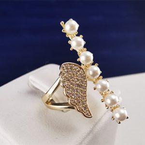 Anillo enchapado en oro Brilho Joias con piedras de microcircón y perlas
