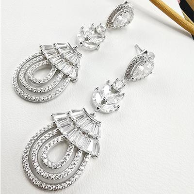 Aros de plata 925 Brilho Silver con rodinado y piedras de microcircón