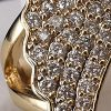 Anillo enchapado en oro Brilho Joias con piedras de microcircón y perlas detalle