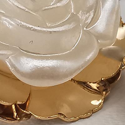 Aros enchapados en oro Brilho Joias con flor detalle 2
