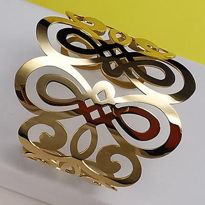 Pulsera brazalete de acero quirúrgico 316 Brilho Steel con enchapado dorado detalle 3