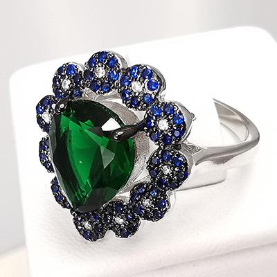Anillo de plata 925 Brilho Silver con piedra de circón verde en forma de gota y microcircones azules detalle 3