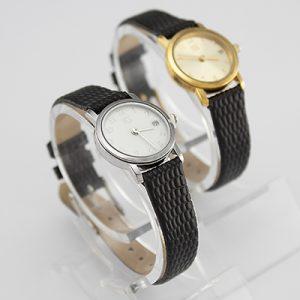 Reloj Yess Watches para dama con correa de cuero