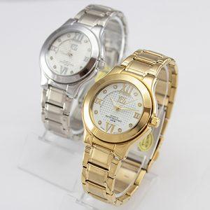 Reloj Yess Watches para dama metálico con números romanos