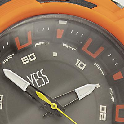 Reloj Yess Watches para hombre estilo deportivo análogo detalle 2