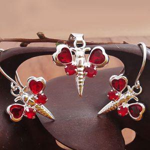 Juego de plata mariposa con microcircones rojos