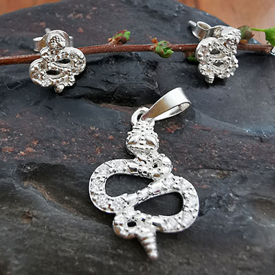 Juego de plata Serpiente con piedras de circón blancas