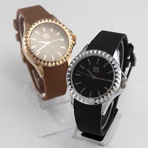 Relojes Yess Watches para dama con correa de silicona y caja metálica