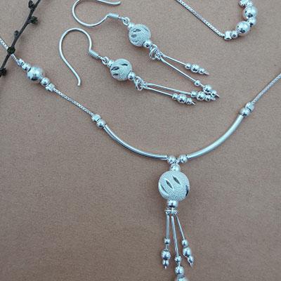 Conjunto pulsera, collar y aros de plata