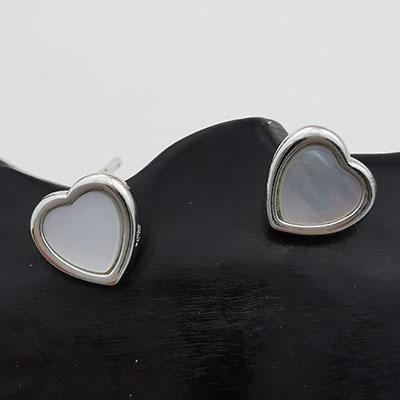 Aros de plata corazones con piedra nacar