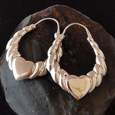 Argollas de plata con figura de corazón