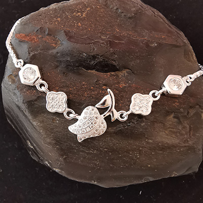 Pulsera en plata con piedras de circón
