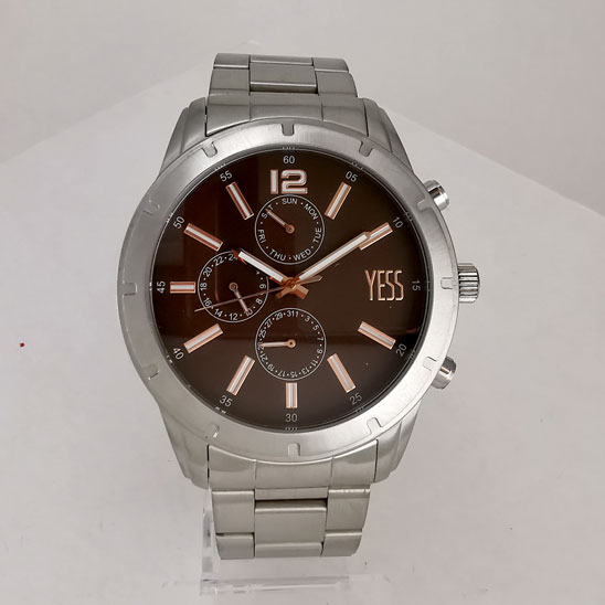 Reloj Yess multifuncional con pulso detalle